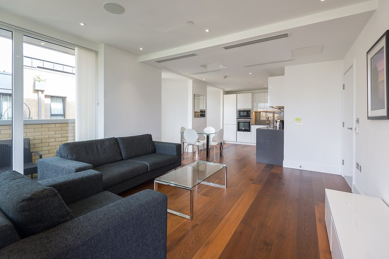 2 bedroom(s) apartment to sale in Westbourne Apartments, Central Avenue, Fulham-image 4