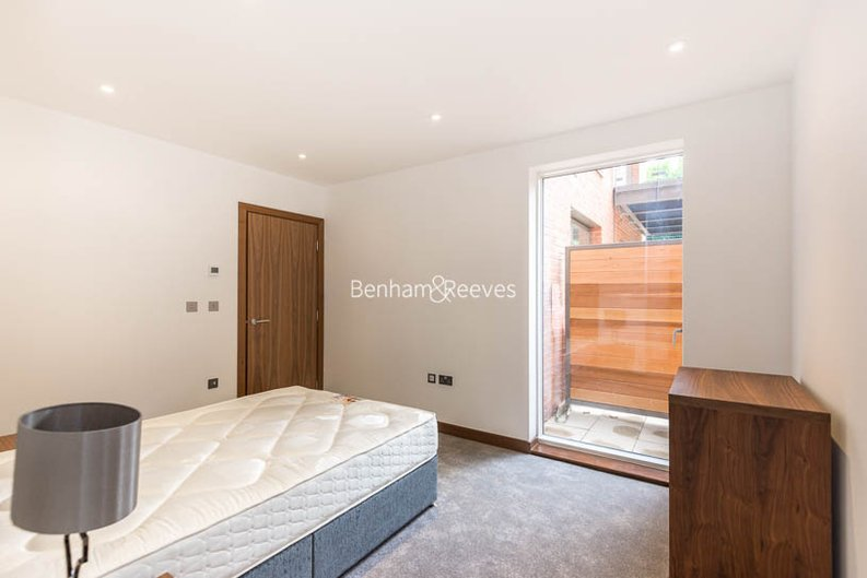 2 bedroom(s) apartment to sale in Beaufort Court, Maygrove Road, West Hampstead, London-image 7