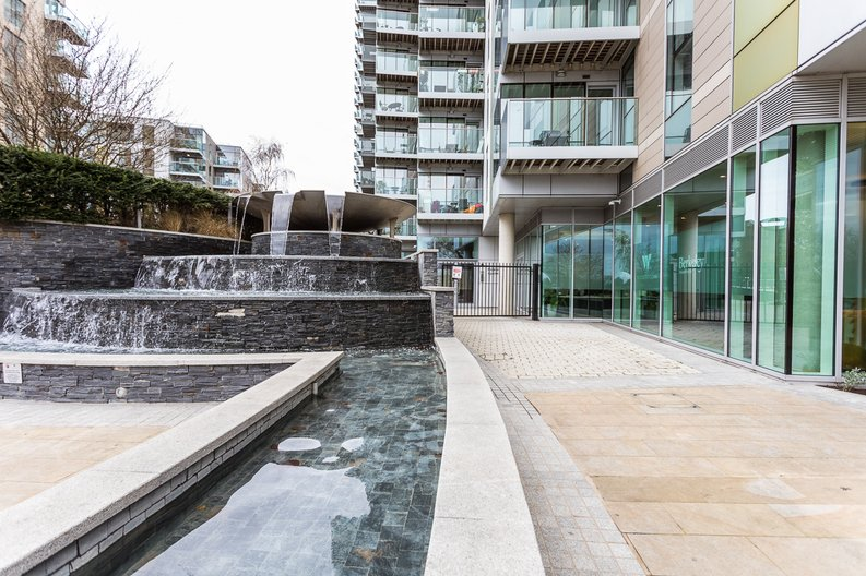 2 bedroom(s) apartment to sale in Riverside Apartments, Goodchild Road, Woodberry Down, Manor House-image 15