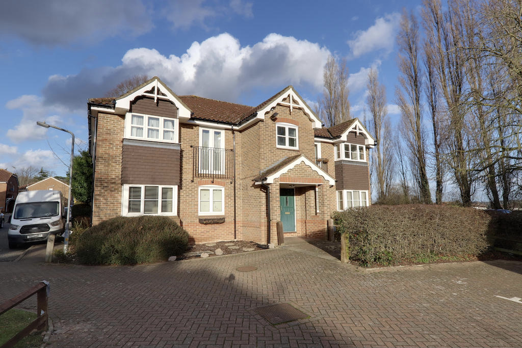 School House Gardens, Loughton, Essex