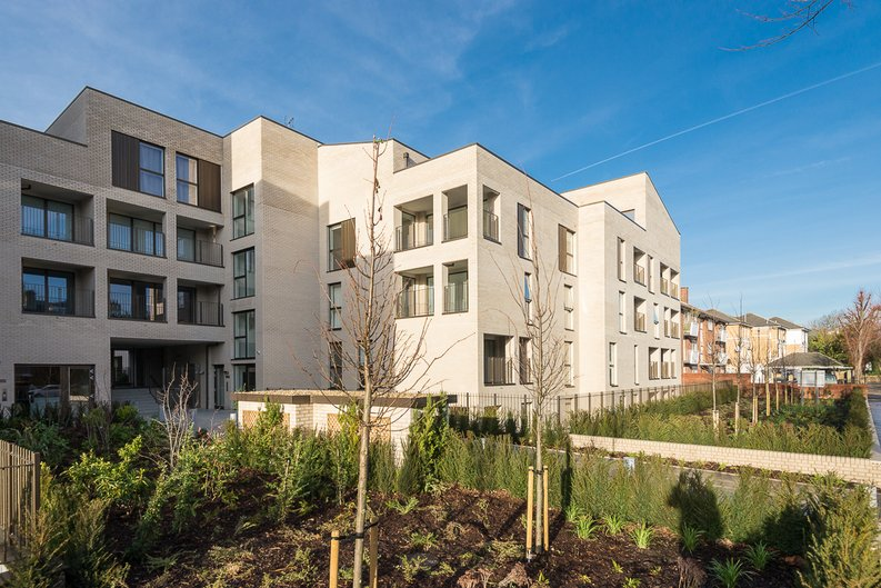 2 bedroom(s) apartment to sale in The Avenue, Brondesbury Park, London-image 1