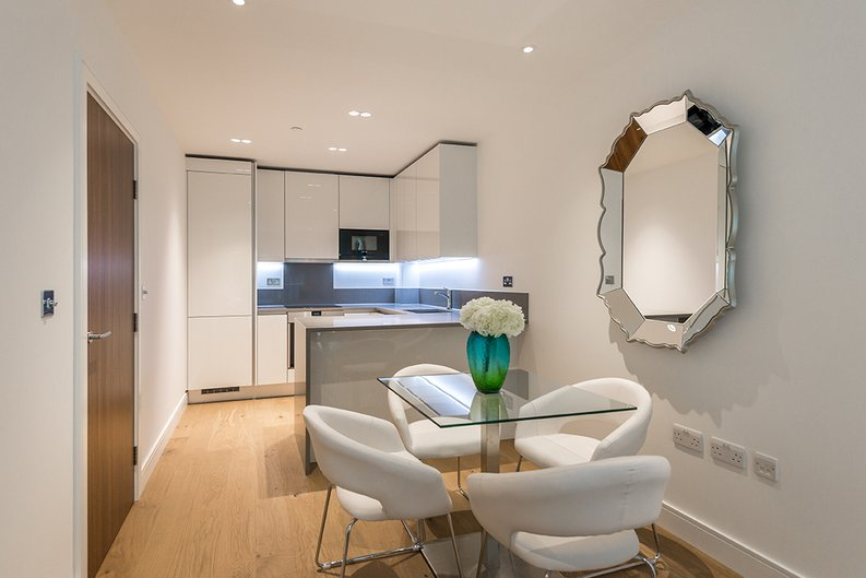 1 bedroom(s) apartment to sale in Vista House, Dickens Yard, Ealing-image 1