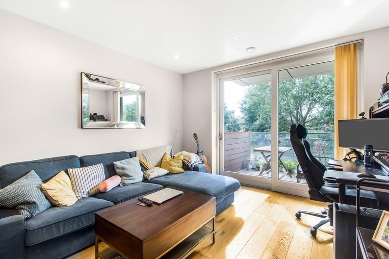 1 bedroom(s) apartment to sale in Waterfront Apartments, 82 Amberley Road, Maida Hill, London-image 7