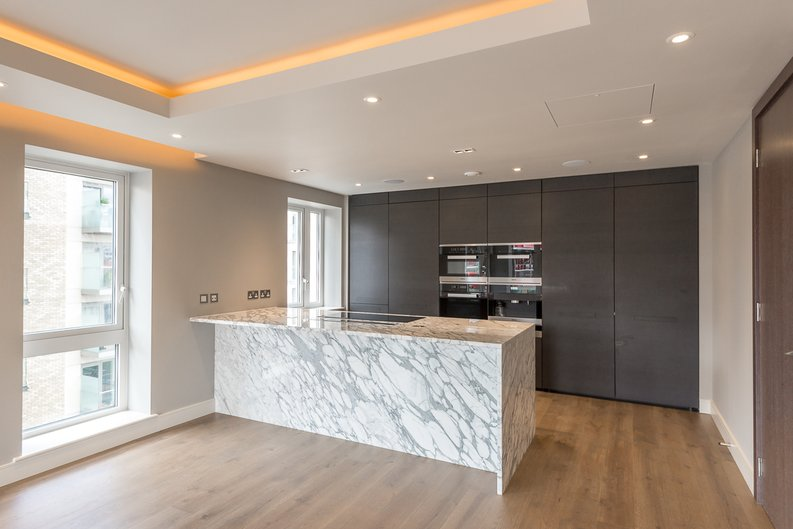 3 bedroom(s) apartment to sale in Brunswick House, Parr's Way, Fulham Reach, London-image 1