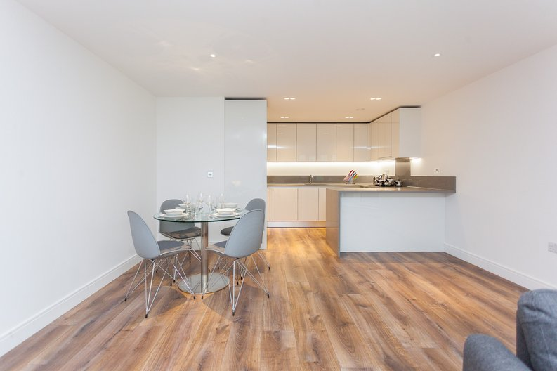 2 bedroom(s) apartment to sale in Quartz House, Dickens Yard, Ealing-image 5