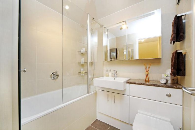 3 bedroom(s) apartment to sale in Anglebury House, Talbot Road, Notting Hill-image 5