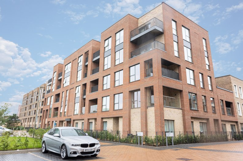 2 bedroom(s) apartment to sale in Colindale Gardens, London-image 20