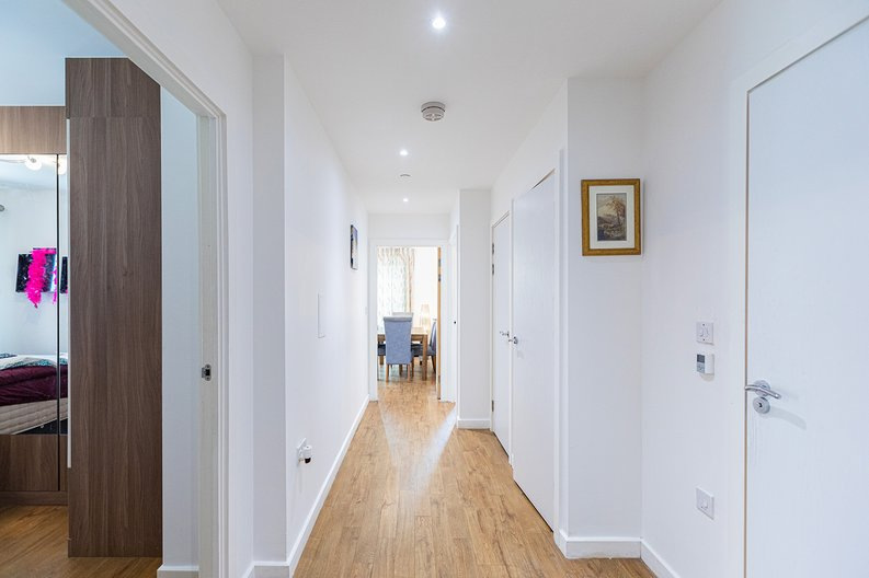 3 bedroom(s) apartment to sale in Olympic Way, Wembley, Greater London, London-image 12
