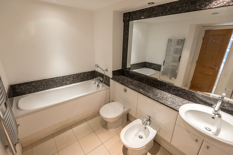 3 bedroom(s) apartment to sale in Waterside Tower, The Boulevard, Imperial Wharf, London-image 4
