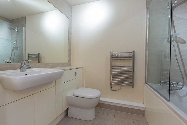 1 bedroom(s) apartment to sale in Curtiss House, Heritage Avenue, Beaufort Park , London-image 9