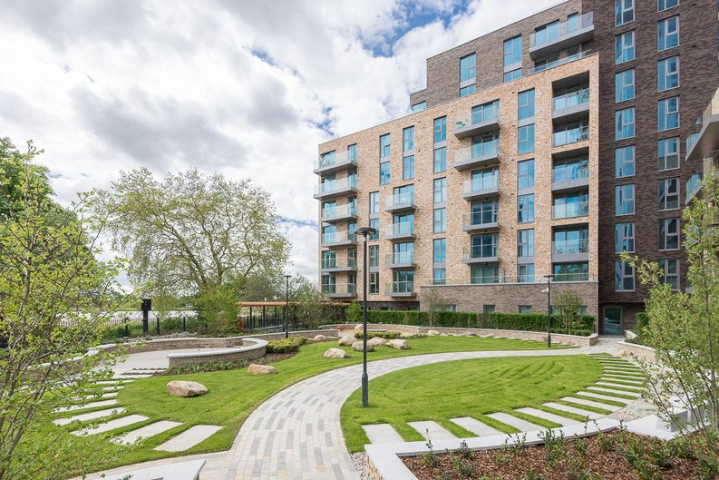 1 bedroom(s) apartment to sale in Willowbrook House, Woodberry Down, Finsbury Park-image 1