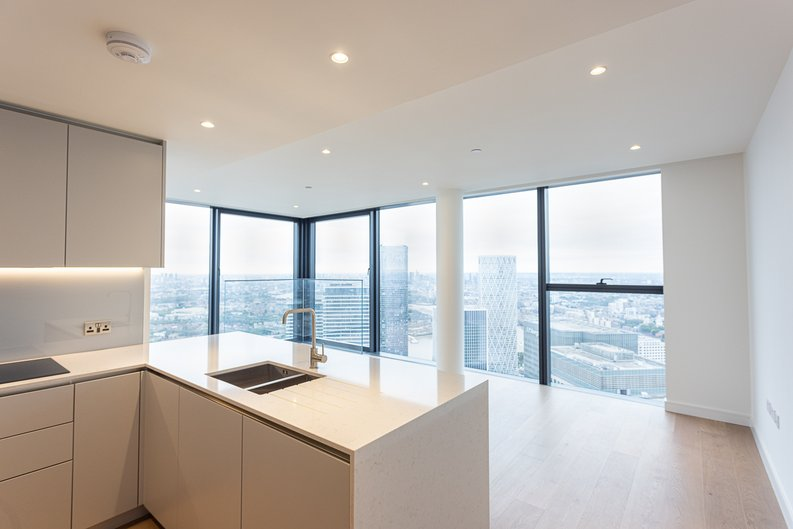 2 bedroom(s) apartment to sale in Marsh Wall, Canary Wharf, London-image 1