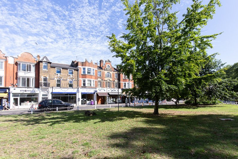1 bedroom(s) apartment to sale in Chapman House, Filmworks, Ealing-image 2