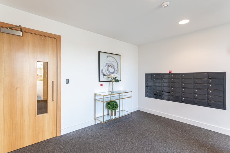 2 bedroom(s) apartment to sale in Eastern Point, Edgware Road, London-image 18