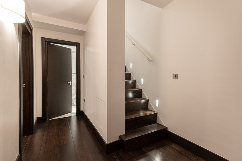 2 bedroom(s) apartment to sale in Park Street, Mayfair, London-image 12