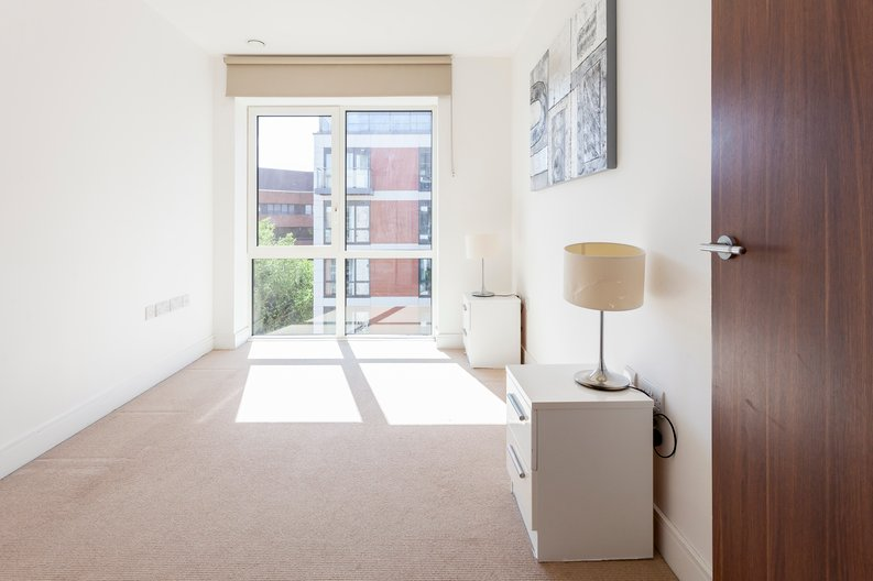 2 bedroom(s) apartment to sale in Belgravia House, Dickens Yard, Ealing-image 6