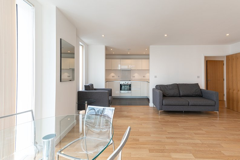 2 bedroom(s) apartment to sale in Goodchild Road, Woodberry Down, London-image 12
