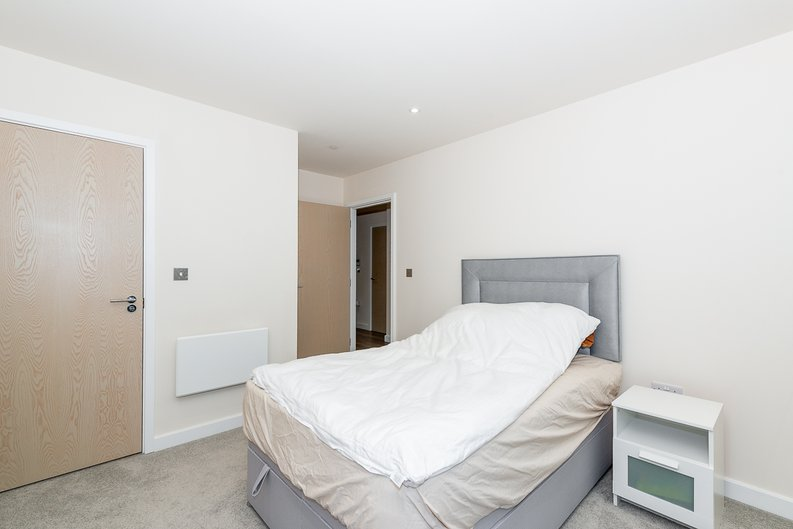 2 bedroom(s) apartment to sale in Argent House, Beaufort Park , London-image 12