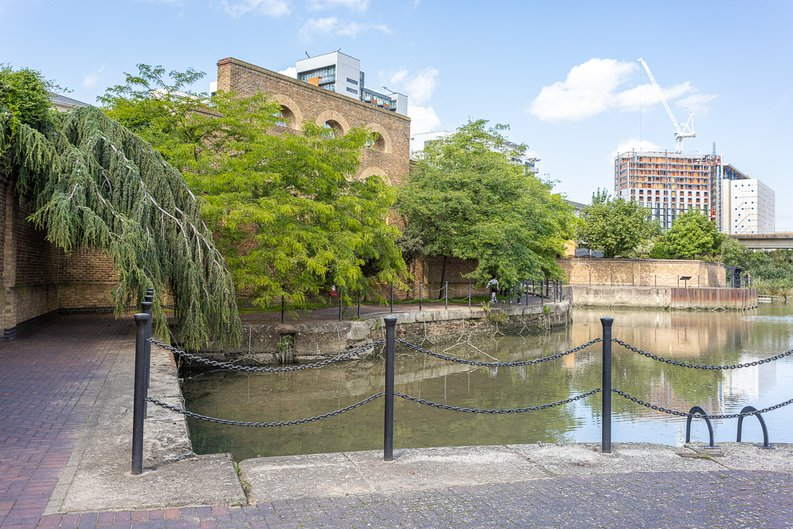 1 bedroom(s) apartment to sale in Silvocea Way, Canning Town, London-image 12