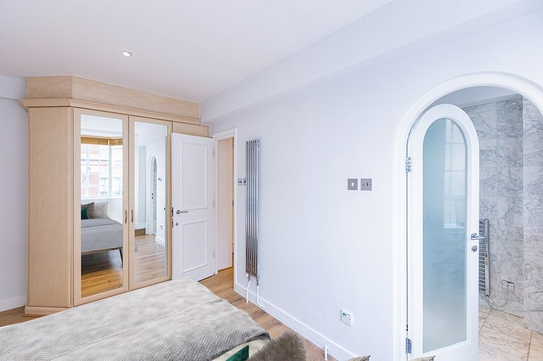 1 bedroom(s) apartment to sale in Chelsea Cloisters, Sloane Avenue, Chelsea-image 8