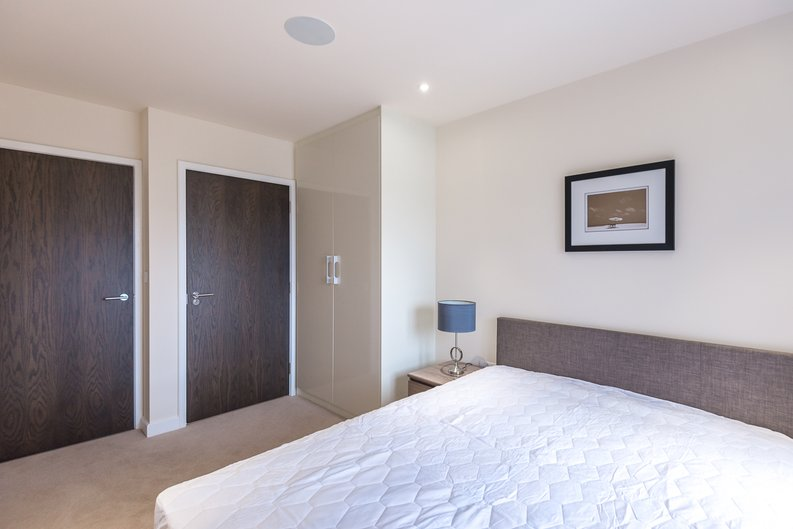 2 bedroom(s) apartment to sale in Constantine House, Beaufort Park , London-image 5