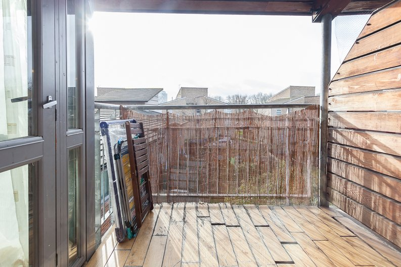 1 bedroom(s) apartment to sale in Martlesham Walk, Colindale-image 10