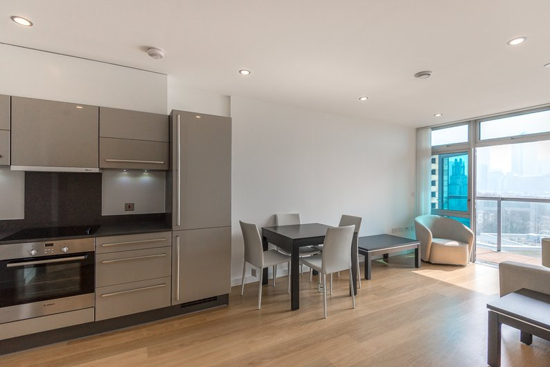 1 bedroom(s) apartment to sale in Iona Tower, 33 Ross Way, Limehouse-image 3
