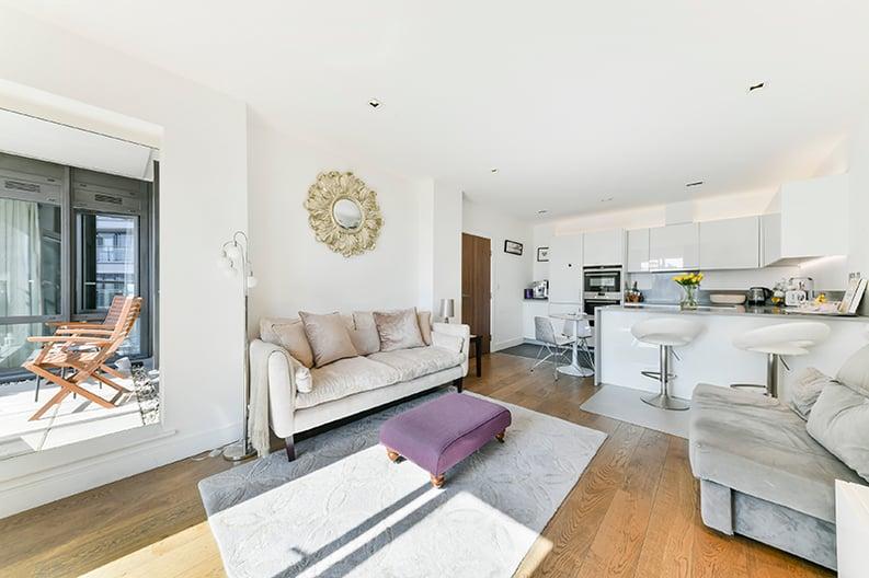 2 bedroom(s) apartment to sale in Belgravia House, Dickens Yard, Ealing, London-image 5