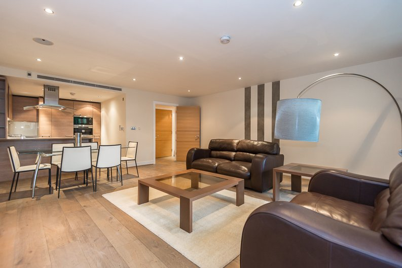 2 bedroom(s) apartment to sale in Mahogany House, Lensbury Avenue, Fulham-image 5