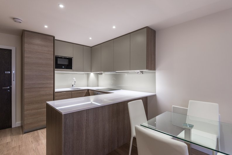 1 bedroom(s) apartment to sale in Constantine House, Boulevard Drive, Beaufort park , London-image 3