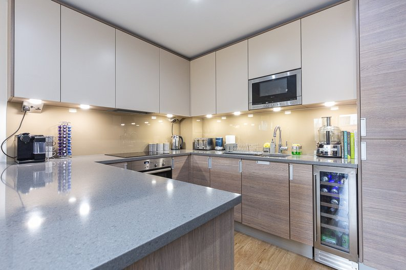 1 bedroom(s) apartment to sale in Cavendish House, Boulevard Drive, London-image 4