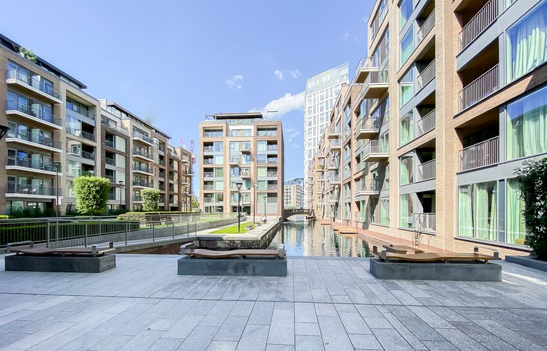 1 bedroom(s) apartment to sale in Counter House, Park Street, Chelsea Creek, London-image 9