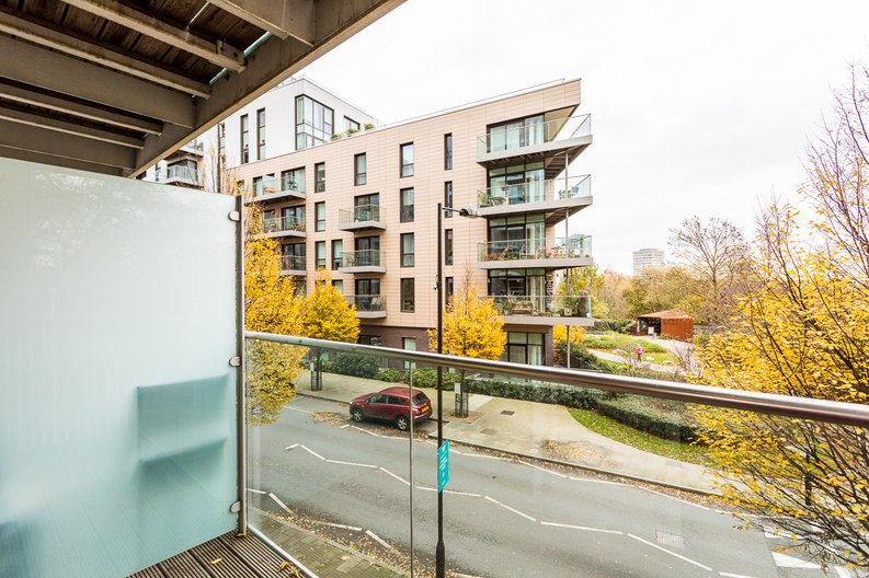1 bedroom(s) apartment to sale in Riverside Apartments, Goodchild Road, Woodberry Down, Manor House-image 14