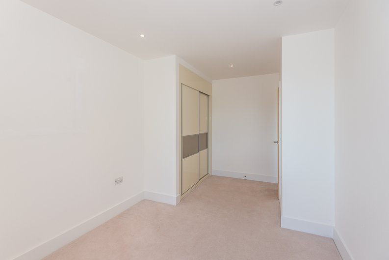 1 bedroom(s) apartment to sale in Butler House, 6 Dixon Butler Mews, London-image 5