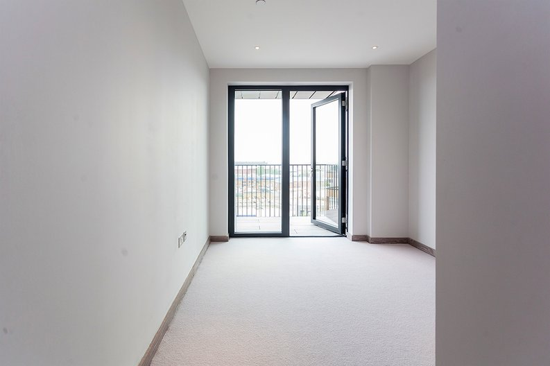 3 bedroom(s) apartment to sale in Tritton House, 3 Ryeland Boulevard, Ram Quarter , Wandsworth-image 13