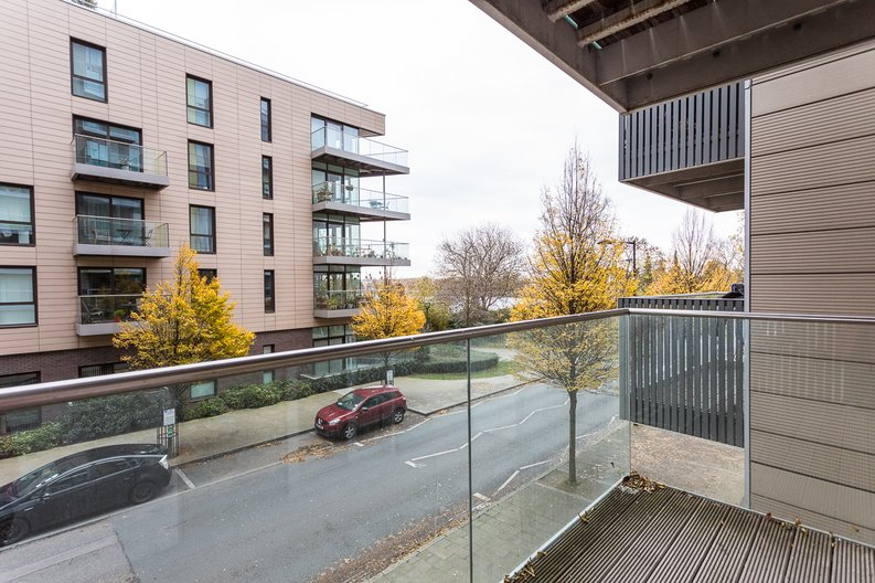 2 bedroom(s) apartment to sale in Riverside Apartments, Goodchild Road, Woodberry Down, Manor House-image 13