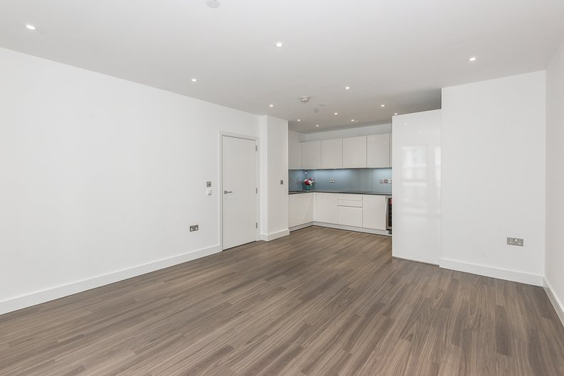 2 bedroom(s) apartment to sale in Brent House, Wandsworth Road, Nine Elms-image 2