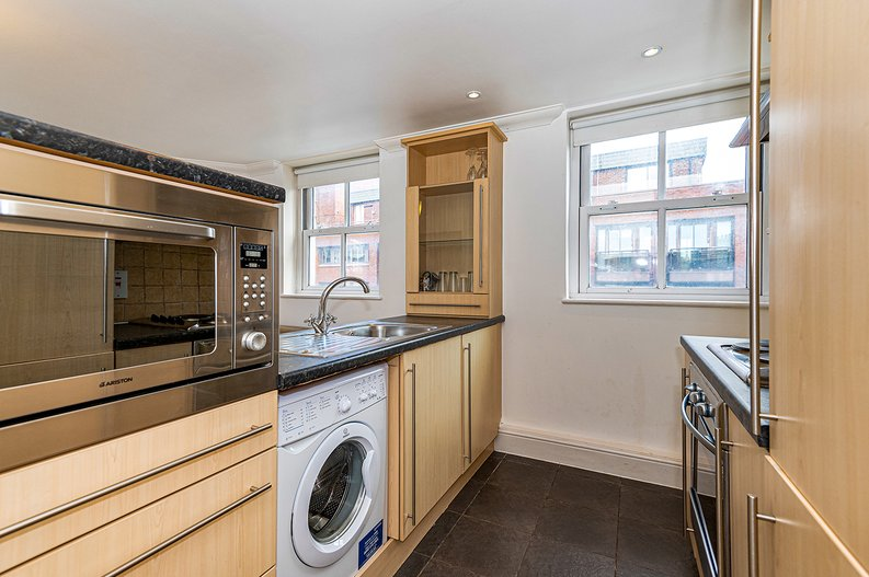 1 bedroom(s) apartment to sale in Earls Court Road, Earls Court, London-image 2