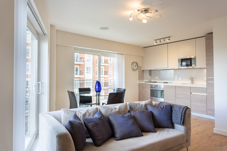 1 bedroom(s) apartment to sale in Boulevard Drive, Colindale, London-image 3