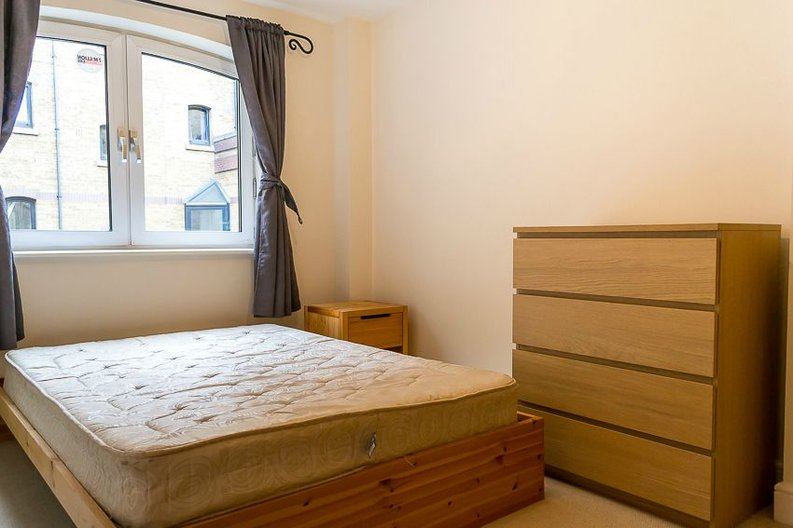 2 bedroom(s) apartment to sale in Scotts Sufferance Wharf, 5 Mill Street, London-image 4