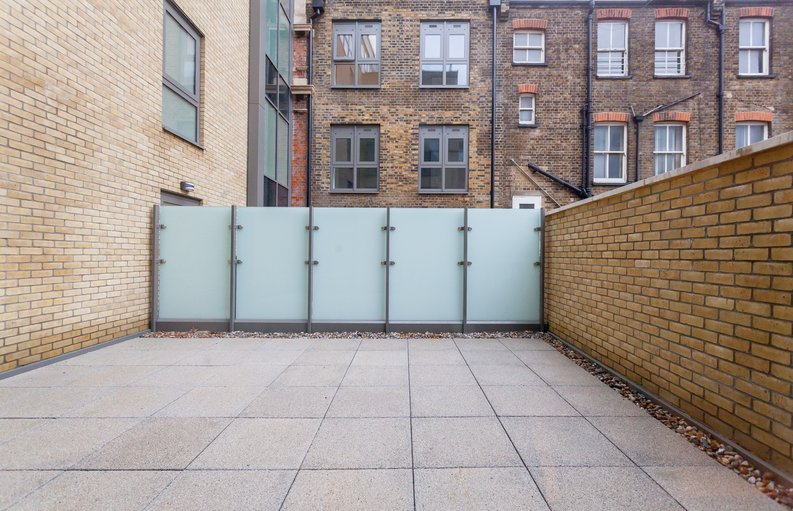 2 bedroom(s) apartment to sale in Quartz House, Dickens Yard-image 7