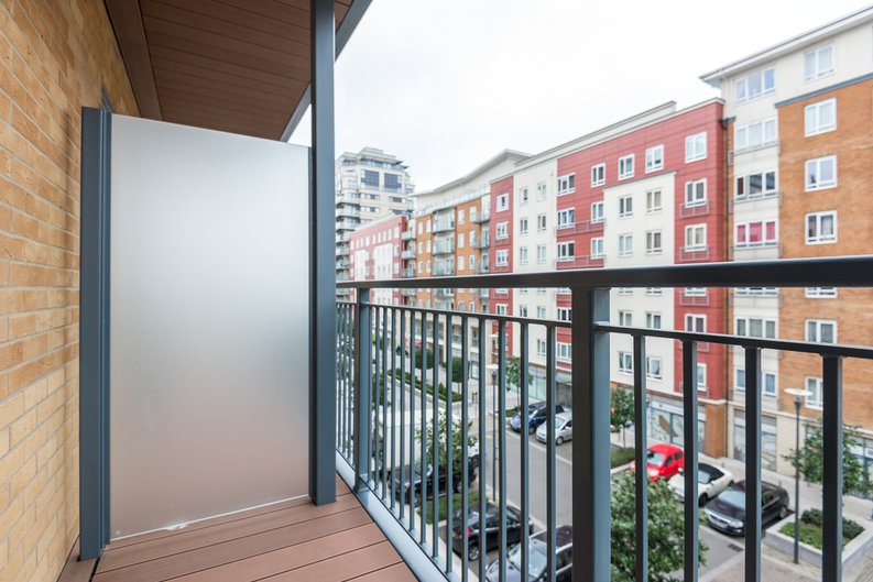 1 bedroom(s) apartment to sale in Constantine House, Boulevard Drive, Beaufort park , London-image 6