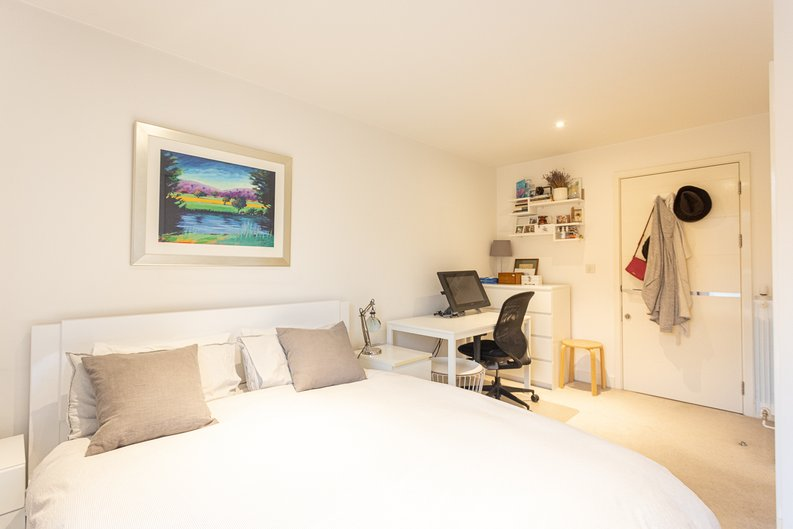 2 bedroom(s) apartment to sale in Cadmus Court, Seafarer Way, Surrey Quays, London-image 14