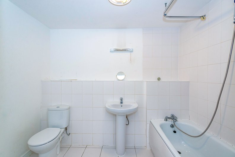 3 bedroom(s) apartment to sale in Annabel Close, Poplar, London-image 5