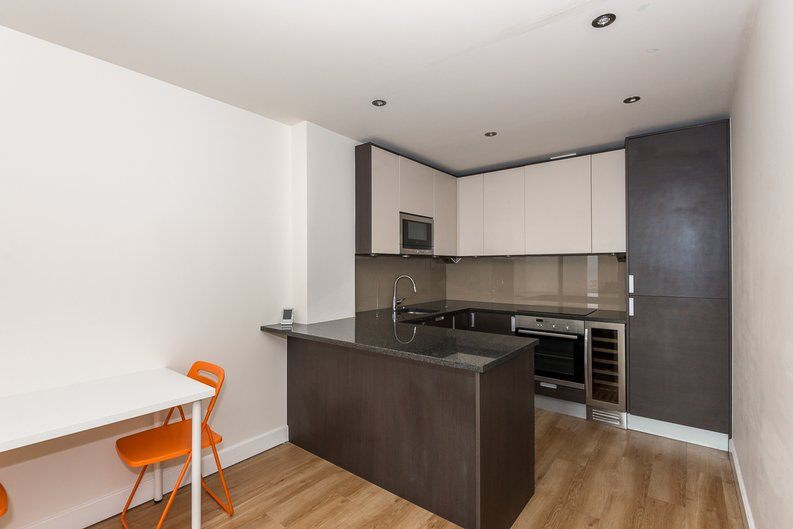 2 bedroom(s) apartment to sale in Claremont House, Aerodrome Road, Beaufort Park, Colindale-image 1