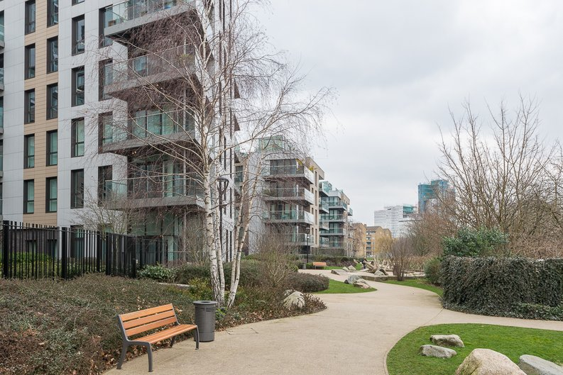 1 bedroom(s) to sale in The Hartingtons, Woodberry Down, Finsbury Park-image 5
