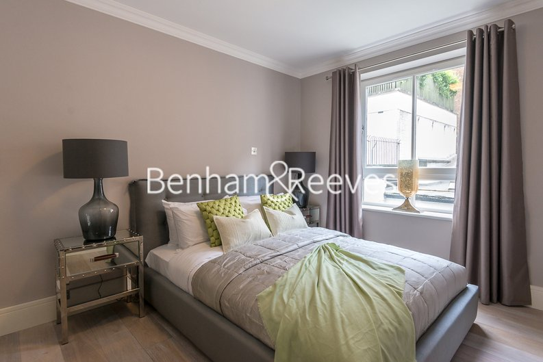 1 bedroom(s) apartment to sale in Clarges Mews, London-image 3