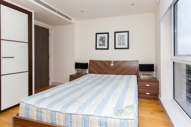 2 bedroom(s) apartment to sale in Octavia House, Townmead Road, Fulham-image 7