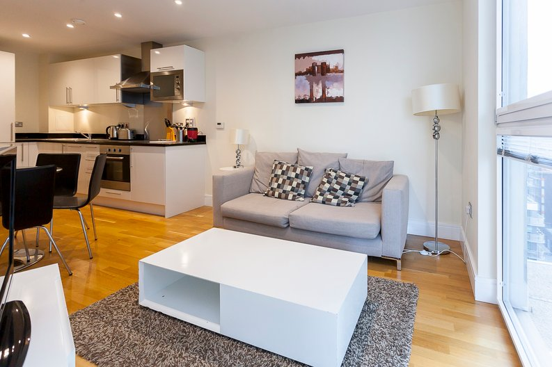 1 bedroom(s) apartment to sale in Cobalt Point, Lanterns Court, Millharbour, Canary Wharf, London-image 3