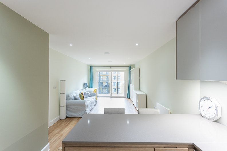 2 bedroom(s) apartment to sale in Aerodrome Road, Colindale, London-image 16